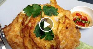 KHÁO KHAJ DŽÍJAO (ข้าวไข่เจียว) – VAJEČNÁ OMELETA S RÝŽÍ